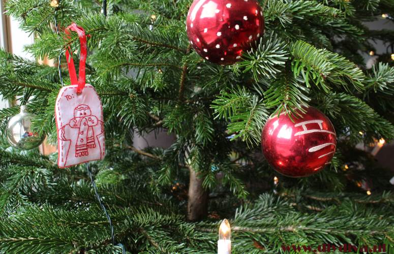 stitchery label redwork kerstmis diydiva