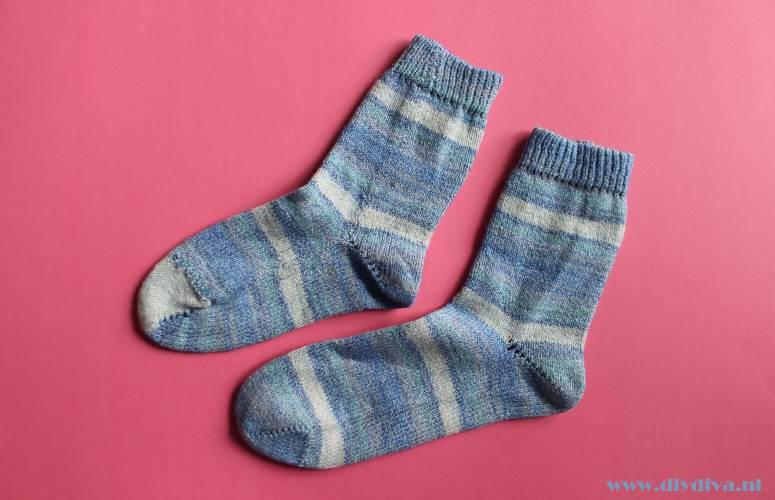 Katia Bombay blauwe sokkenwol diydiva