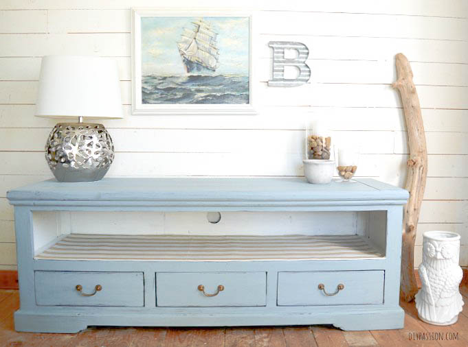 A dark media console gets a bright beachy makeover - by DIY Passion