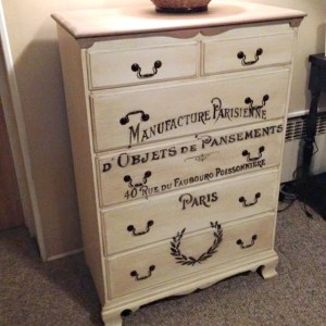 French Graphic Dresser