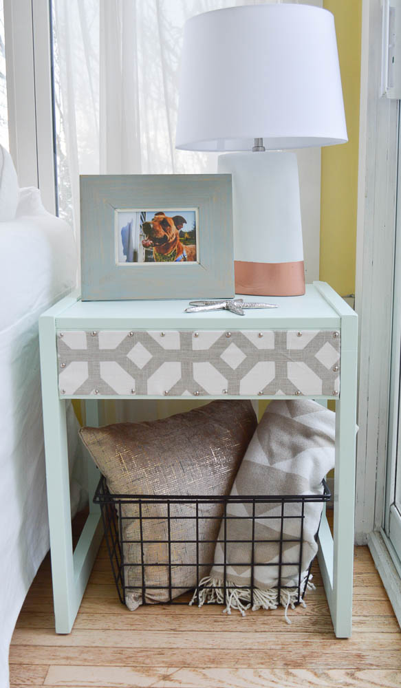 Trashed to Treasured Tables - by DIY Passion