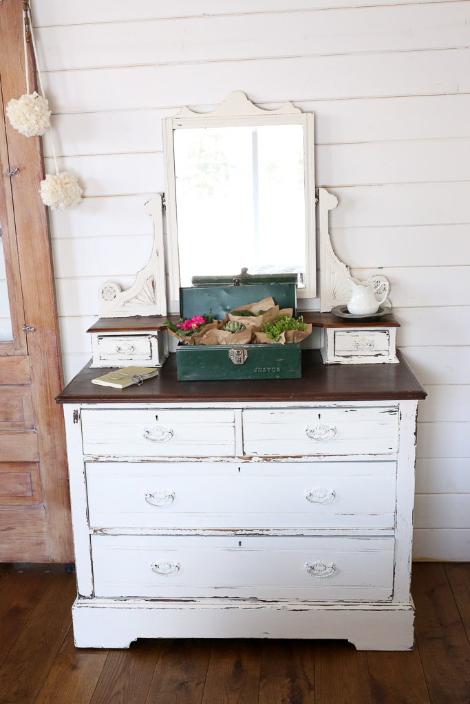 Shabby And Chic Dresser DIY Furniture Makeovers