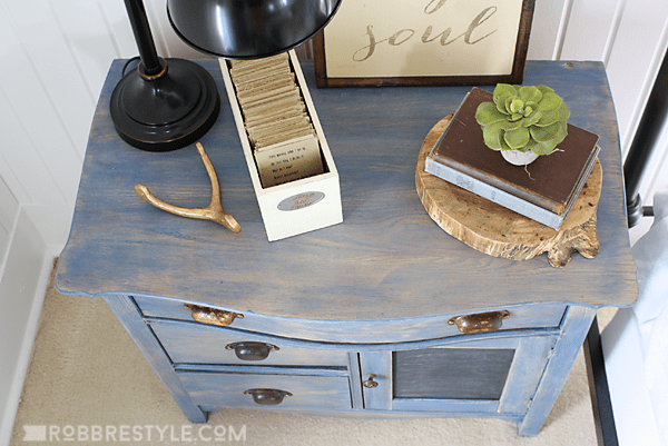 Denim-look stained sideboard by Robb Restyle - DIY Furniture Makeovers