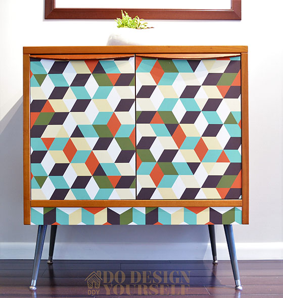Thrifted midcentury cabinet makeover with new legs and wallpaper by Do Design Yourself - DIY Furniture Makeovers