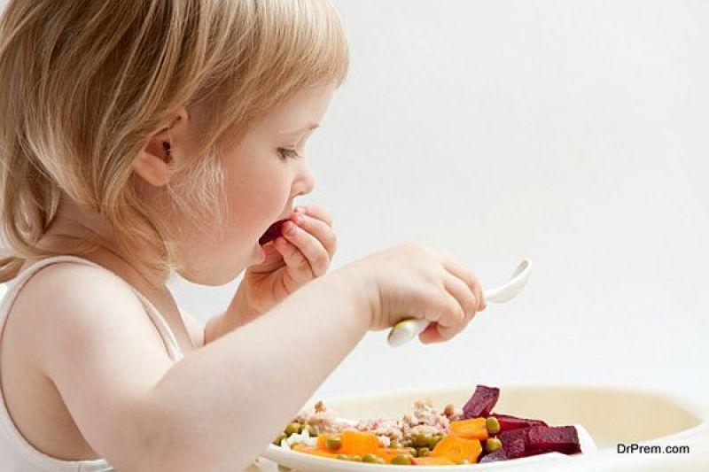 kid eating