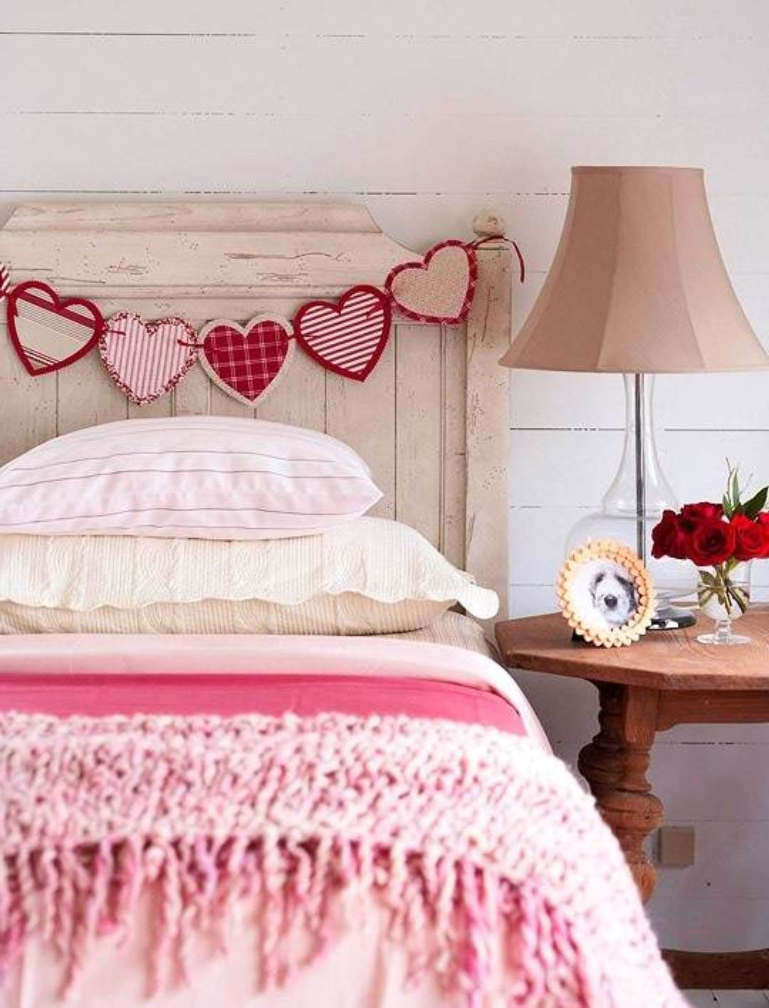Easy DIY Bedroom Decor Ideas on Budget