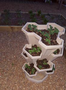 Stack a pot vertical container garden
