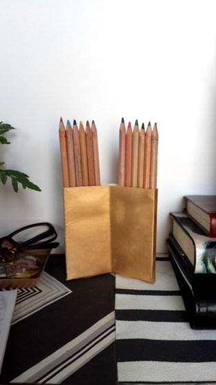 Gold Pencil-holder diyinadorm.wordpress.com