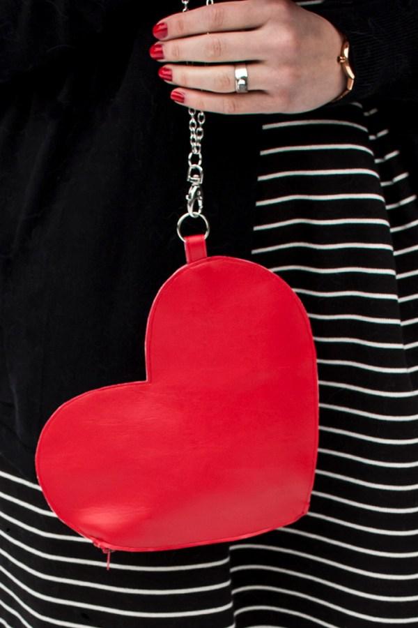 DIY Heart Wrist Bag Tutorial
