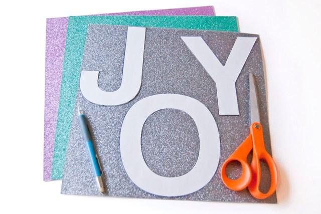 Make a custom holiday garland