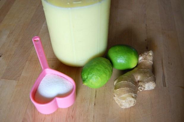 ginger lime pomegranate cocktail recipe