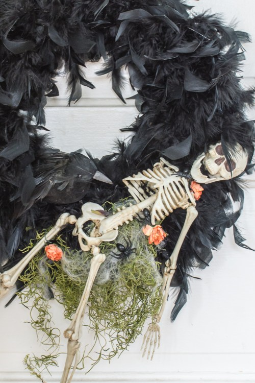 Creepy DIY Halloween Wreath