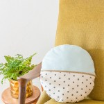DIY round pillow with exposed zipper
