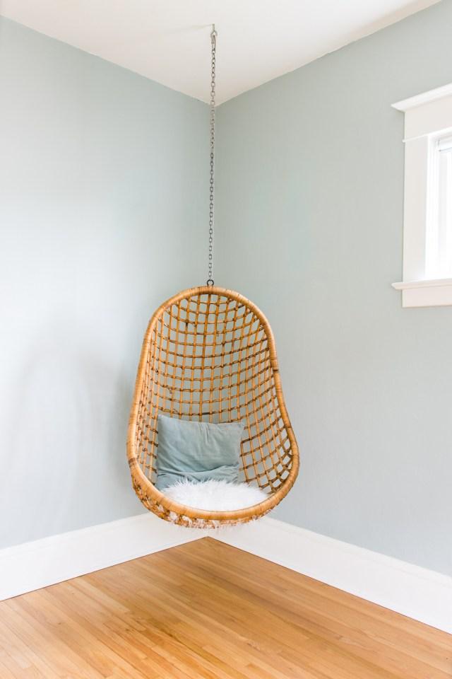 Vintage rattan hanging chair