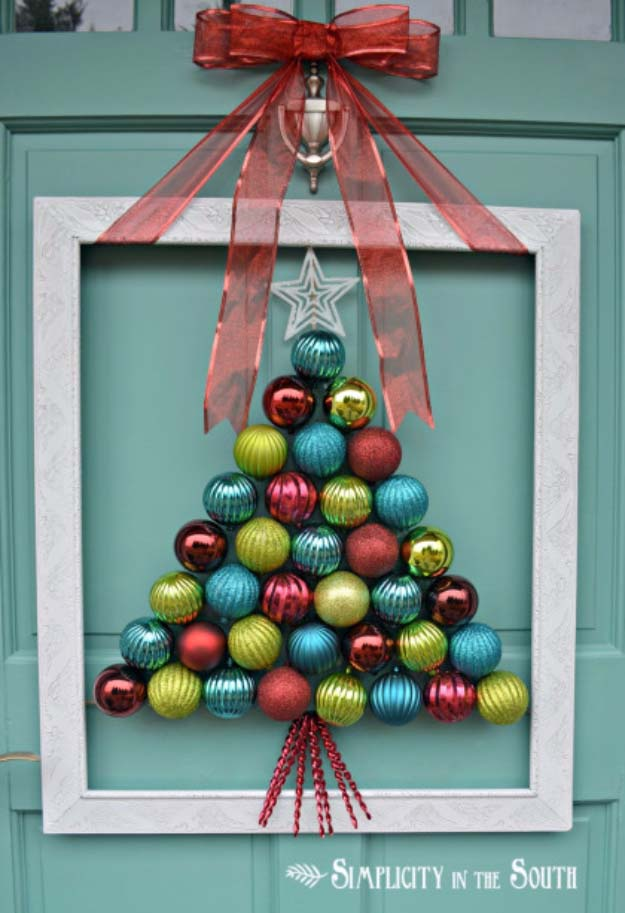 DIY Holiday Wreaths Make Awesome Homemade Christmas Decorations for Your Front Door    Cool Crafts and DIY Projects by DIY JOY      Framed Christmas Tree Ornament Wreath    http://diyjoy.com/diy-christmas-decorations-wreaths