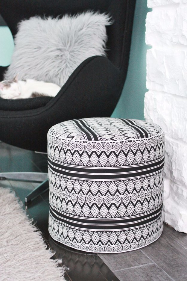 diy chair cushion no sew office in chennai 32 fabulous poufs your living room needs right now!