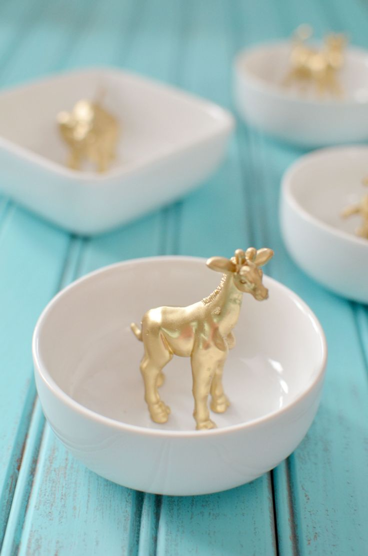 Diy Crafts Ideas Want A Cute Dish To Display Your Rings How Cute Are These Diy Gold Animal Ring Diy Loop Leading Diy Craft Inspiration Magazine Database