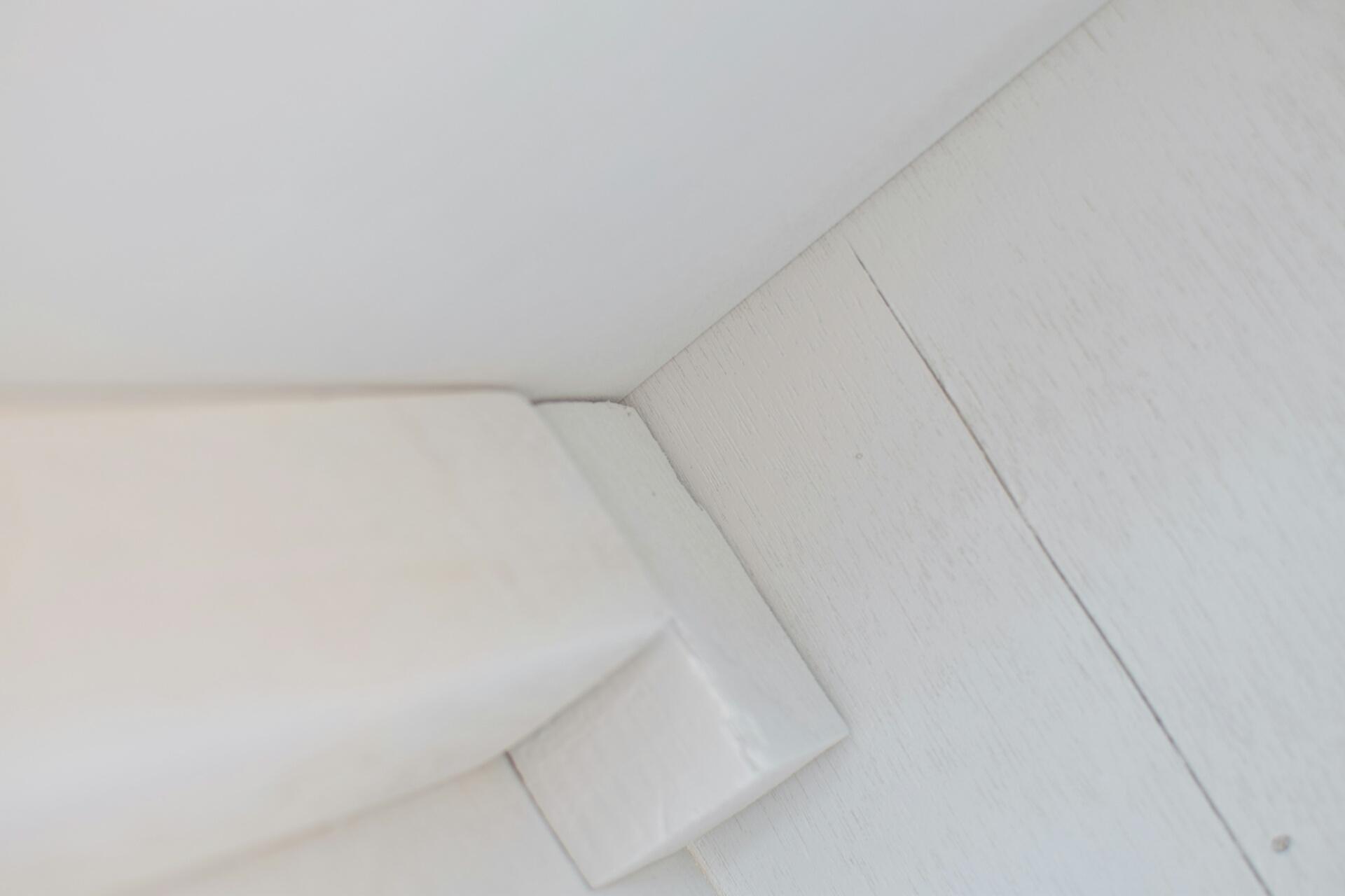 棚のプラサフ塗装後、垂れました。