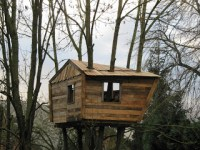 Pallet tree-house for our childrenDIY Pallet Furniture ...