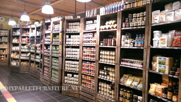 Food shops furnished with boxes of fruitDIY Pallet