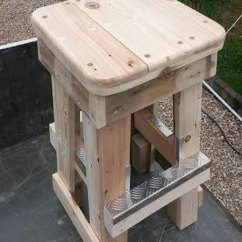 Patio Chairs With Footrests Folding Unicorn Chair Pallet Stools Footrestsdiy Furniture | Diy