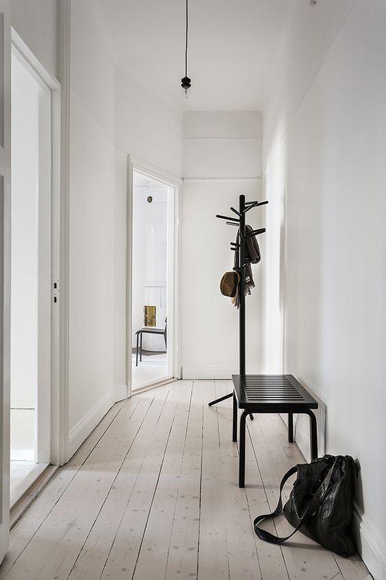 Trends Diy Decor Ideas : Style épuré pour la décoration du couloir ...