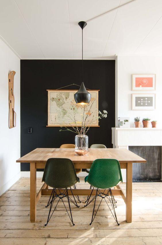 Supérieur Mur Noir Dans Salon #7: Mur Noir Pour Délimiter Un Coin Repas Dans Le Salon.