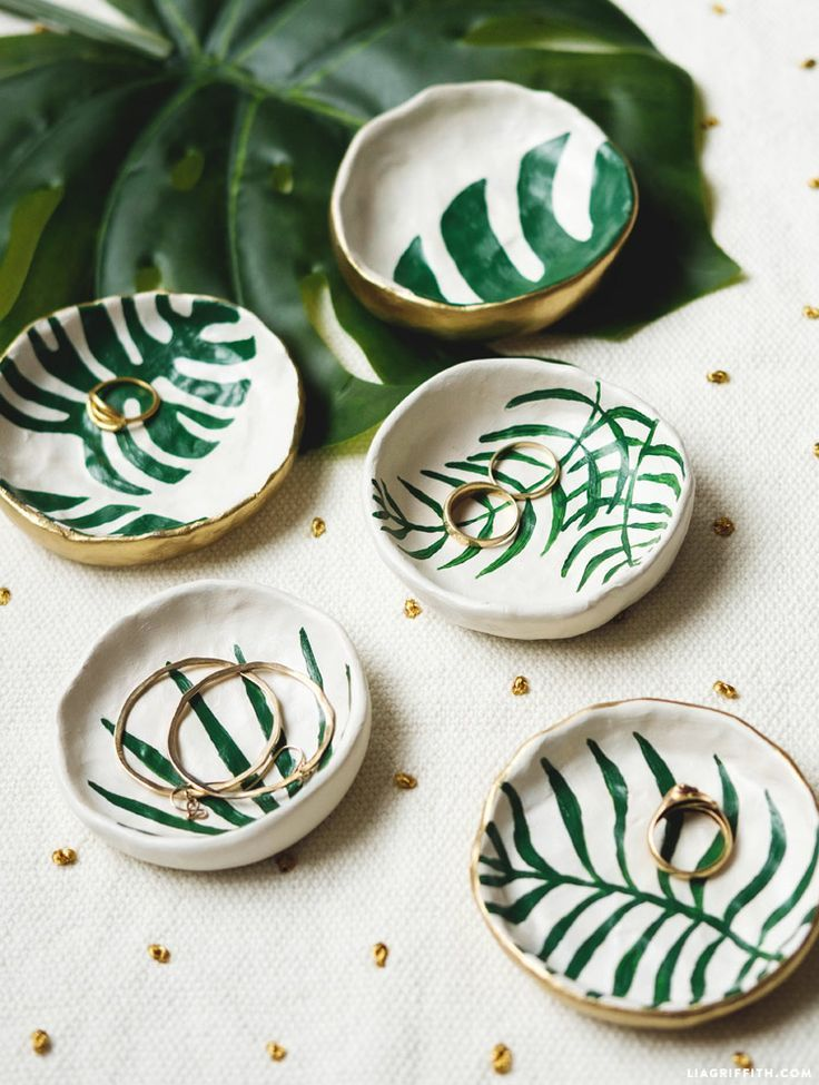Diy Crafts Ideas Diy Tropical Leaf Trinket Dishes Pinterest Natalia Escaa O Diypick Com Your Daily Source Of Diy Ideas Craft Projects And Life Hacks