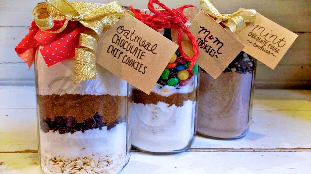Mason Jar Cookie Recipe | Mason Jar Crafts You Can Make In Under An Hour [2nd Edition]