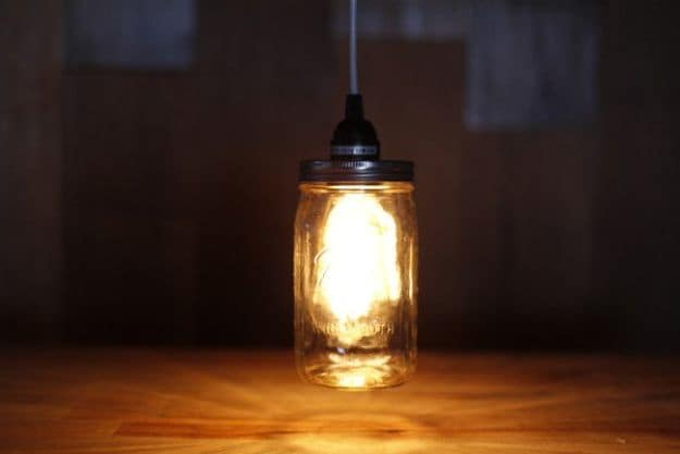 Mason Jar Pendant Light | DIY Pendant Lighting Projects