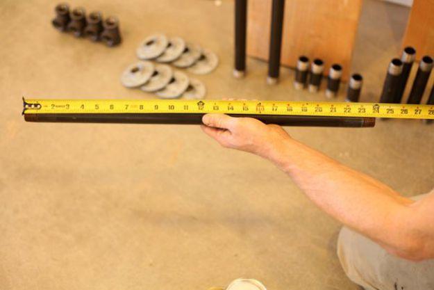 Tubo de medición | Tabla de la pierna de la pipa DIY | Planes de banco de trabajo y tutorial de muebles rústicos