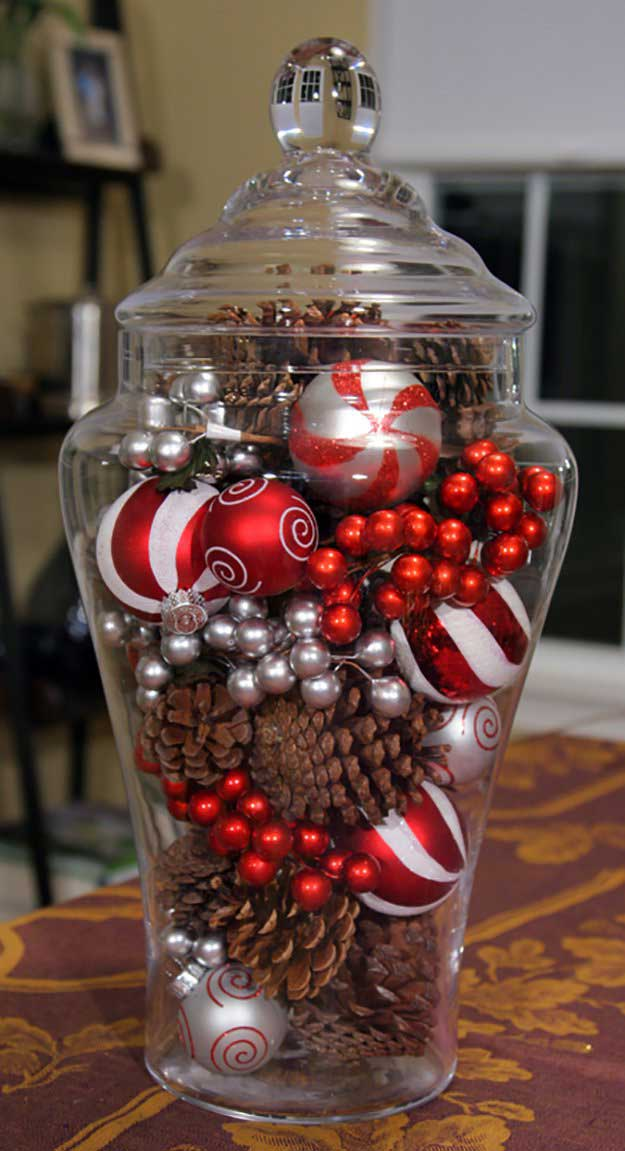 Christmas Centerpiece in a Jar | DIY Christmas Centerpiece Ideas To Complete Your Table