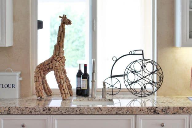 Giraffe Cork Sculpture   Impressive Ways To Reuse Wine Corks