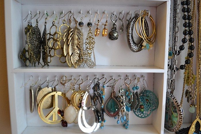 Turn a cutlery tray into a jewelry organizer  DIY projects for everyone