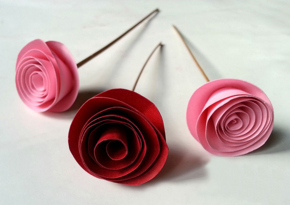 Fabulous Amp Easy Rolled Paper Roses