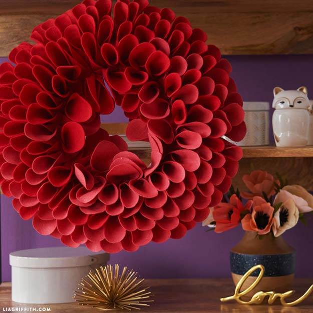 30 Brilliant Red DIY Room Decor Ideas