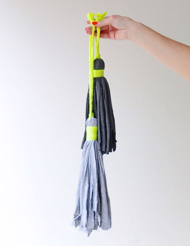 DIY Ideas With Old T-shirts - T-Shirt Tassel - Tshirt Makeovers and Transformation Ideas for Tee Shirts - DIY Clothes to Make On A Budgert - Creative and Easy Fashion Ideas for Teen Girls, Teenagers, Adults - Cut and Refashion Your Shirts With These Step by Step Tutorials #teencrafts #tshirtideas #diyclothes #fashion #crafts