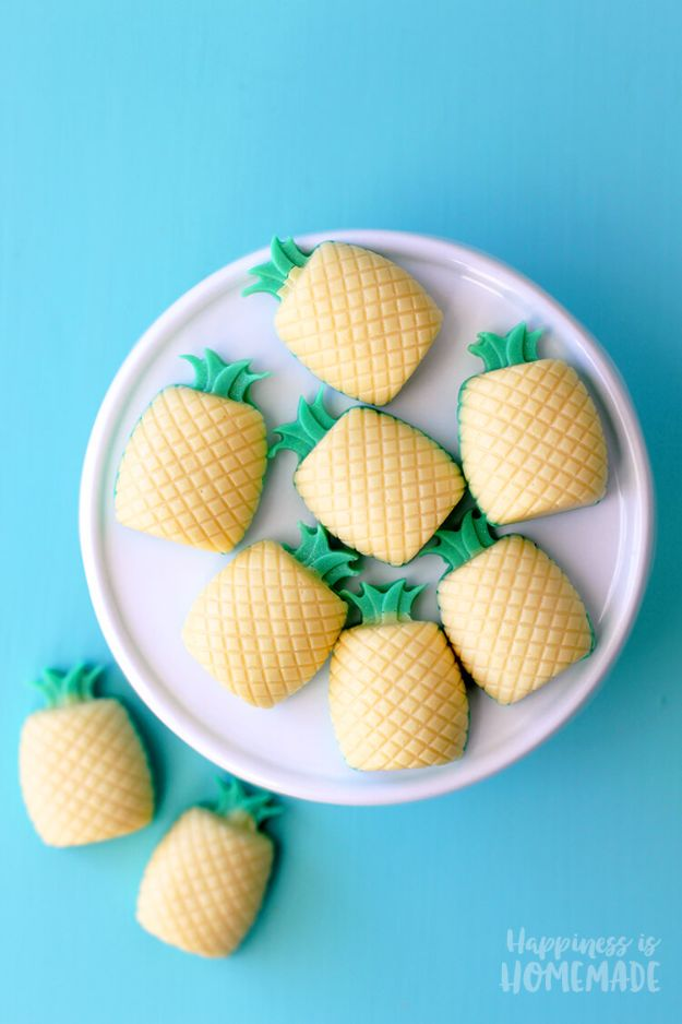 Pineapple Crafts - Piñacolada Mini Soap - Cute Craft Projects That Cool DIY Gifts - Wall Decor, Bedroom Art, Jewelry Idea