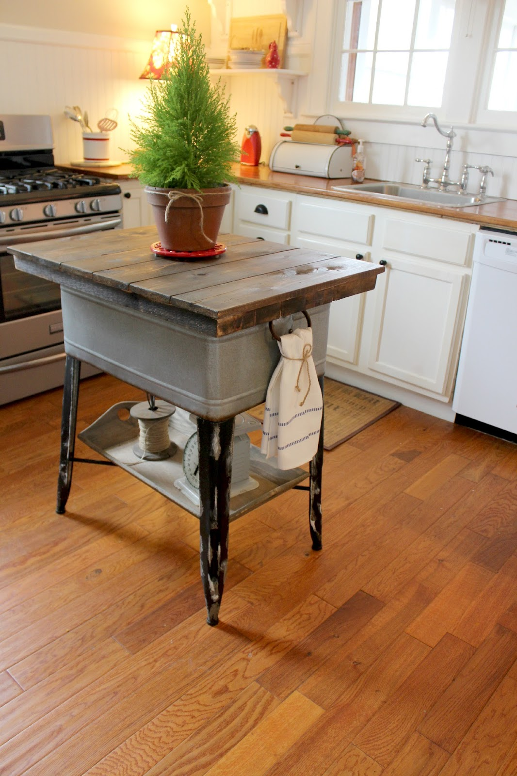 cheap kitchen countertop ideas country decorations 14 genius ways to repurpose galvanized buckets and tubs
