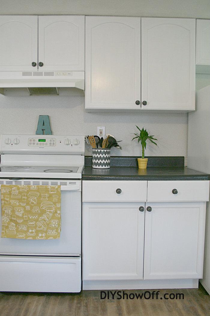 Rustoleum Cabinet Transformations Apartment Progress DIY Show