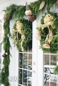Decorating French Doors for ChristmasDIY Show Off   DIY