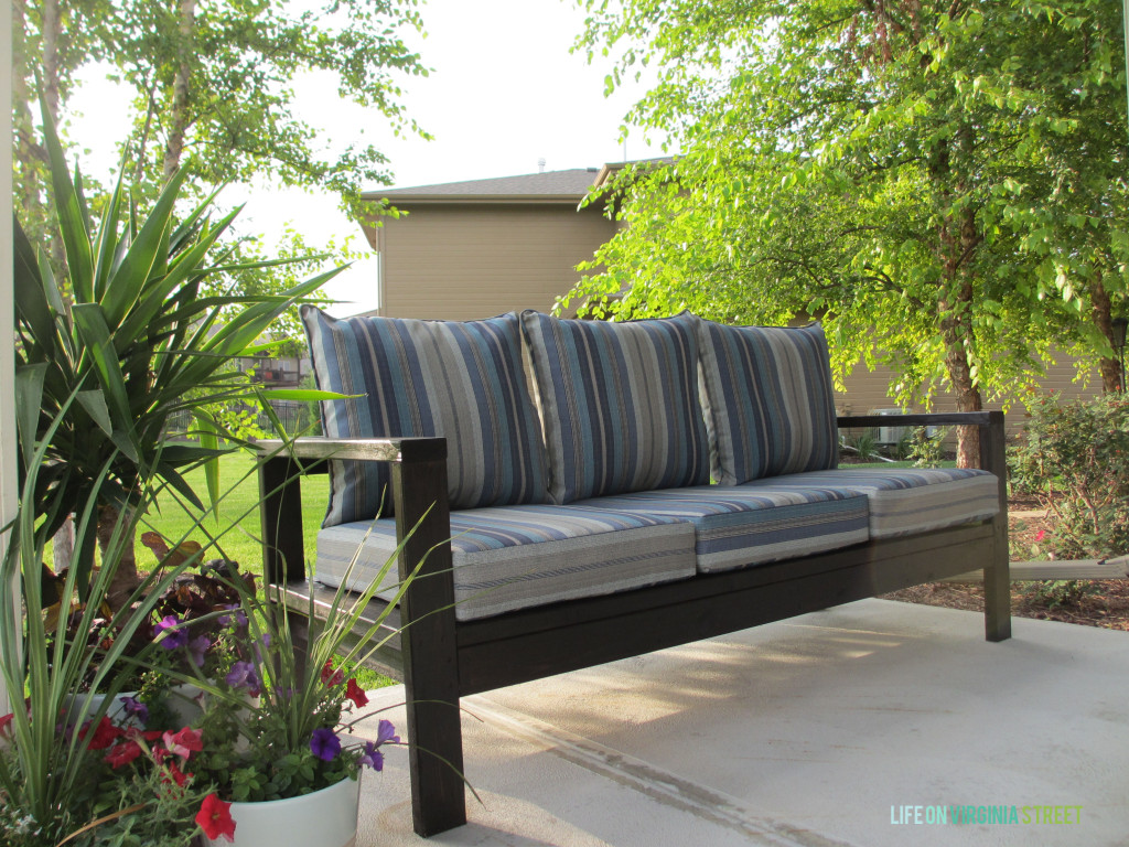 build outdoor sectional sofa bed on casters 21 things you can with 2x4s