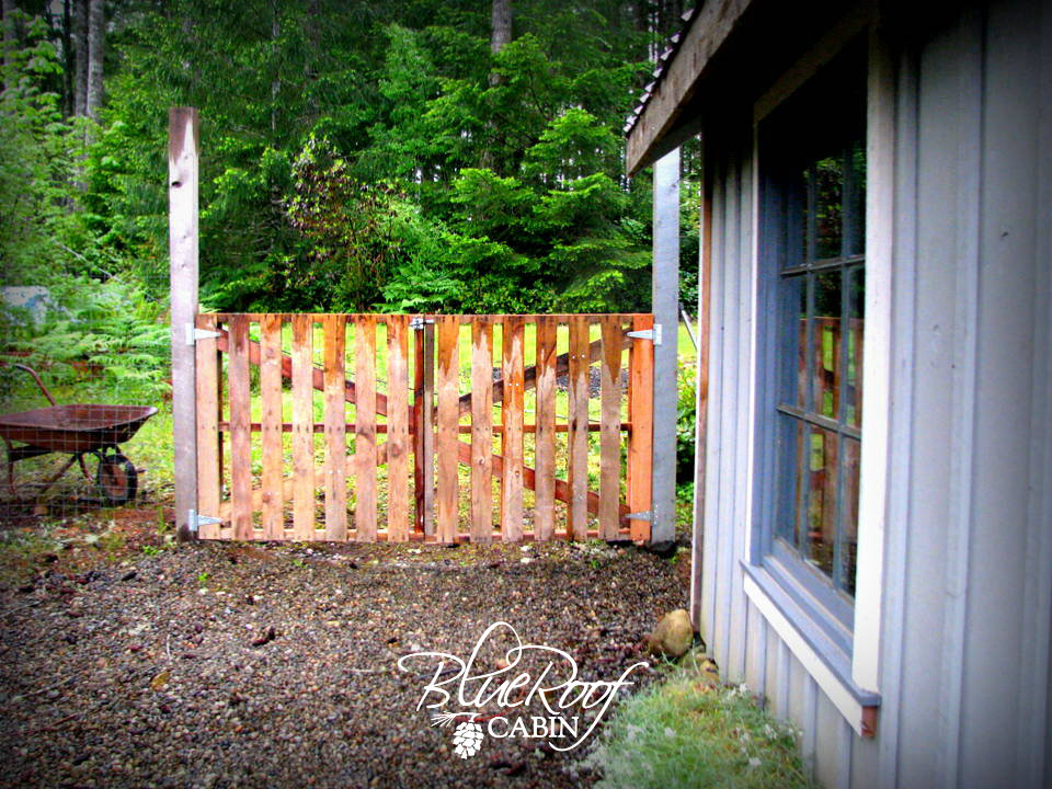 12 Backyard Pallet Projects For Today S Homestead