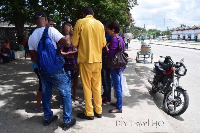 Amarillo at Camion Stop Cuba