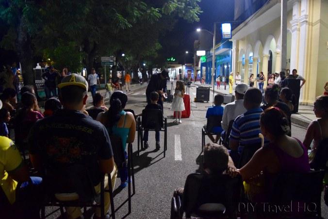Parque Céspedes Saturday night party