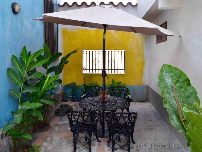 Iguana Azul Outdoor Garden