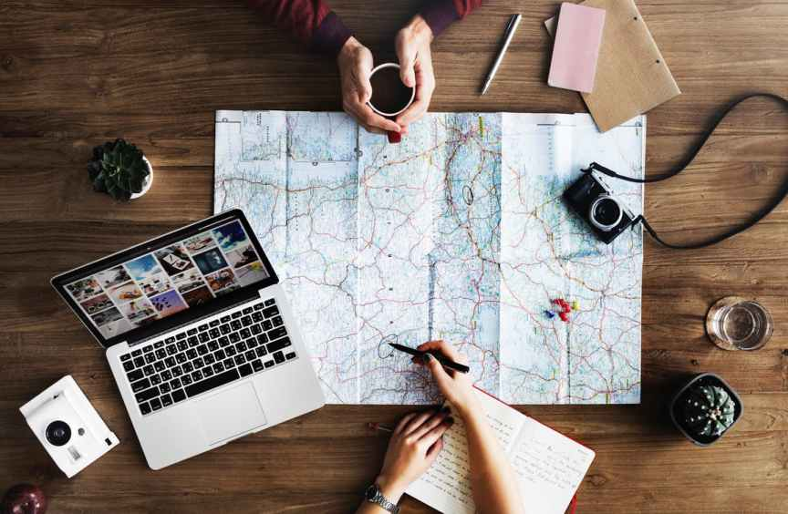 How to Choose a Travel Blogging Niche and Make Money