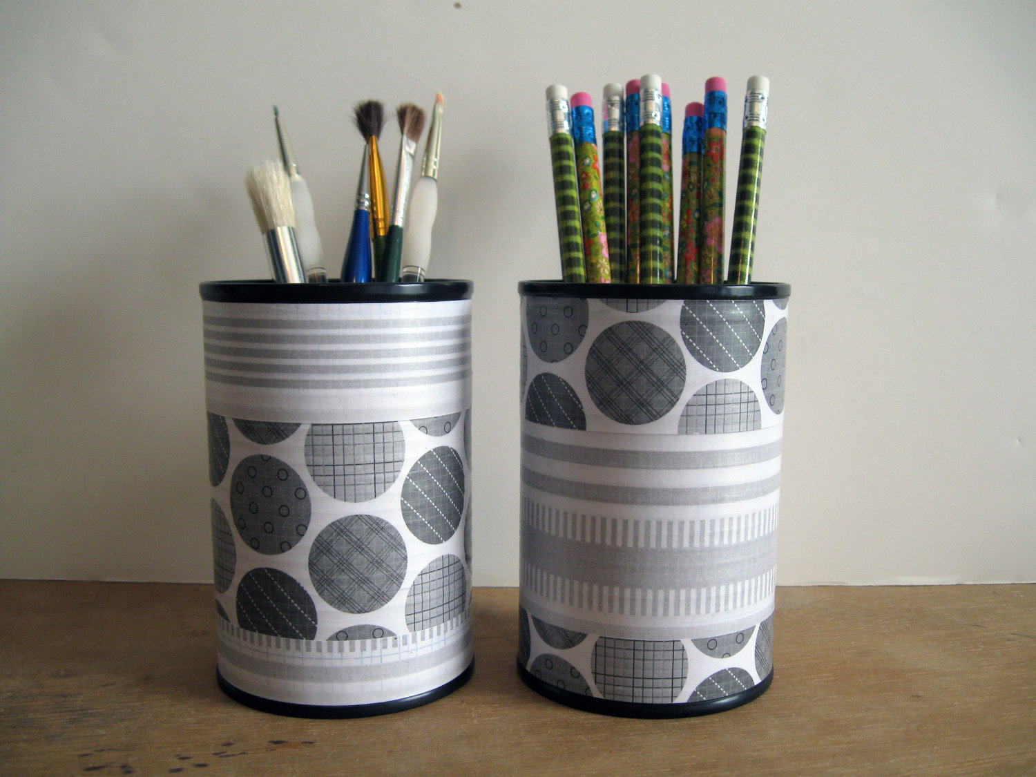Recycle tin cans in these wonderful ways diyvila - Organizador de lapices ...