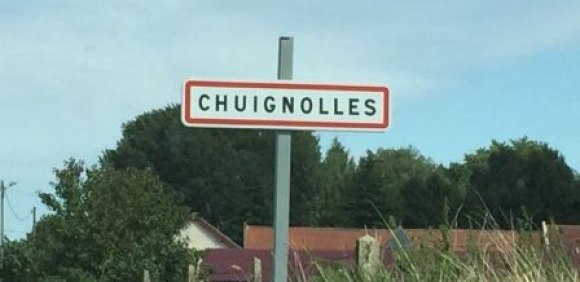 Sign with name of French town on the Somme | More on www.diywoman.net