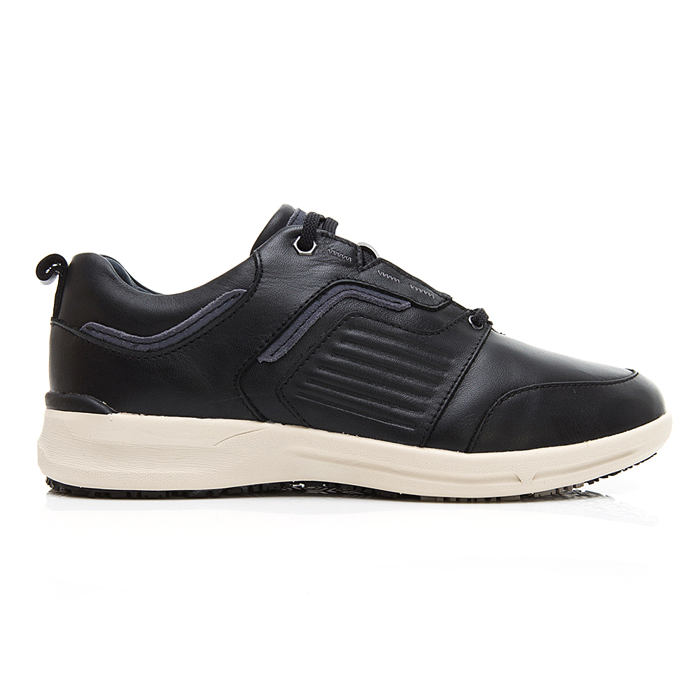 生活防水 安底防滑休閒鞋(男225010331) - LA NEW